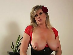 Hot big titted brunette lady gives amazing blowjob in corset