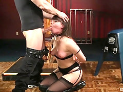 Dana DeArmond gets her pussy pounded before an memorable facial