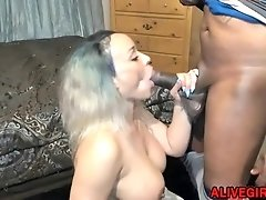 Ebony MrsSkyXXX gets BBC in her vagina and squirts - ALIVEGIRL.net