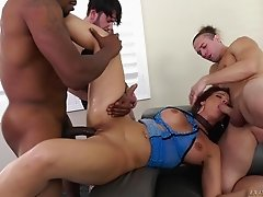 Double anal gangbang with Syren De Mer who has her face creamed