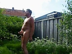 in de tuin