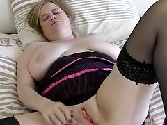 mature wife with big saggy tits and hungry pussy