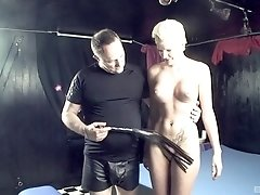 Short haired submissive blonde Scarlet Young gets cum covered