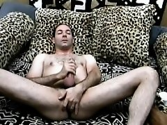 Horny guy takes care of his sexual desires first thing in the morning