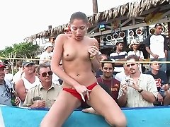 Sexy porn hottie displays seductive body in a hot erotic outdoor action