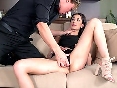 Slovak babe Freya Dee gets a mouthful of sperm after hardcore pussy pounding