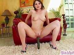 Nelly in pantyhose pisses after giving her pussy superb insertions in a solo clip