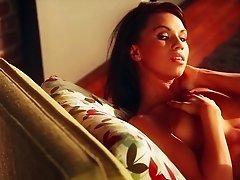 Sexy porn hottie Justine Miller displays seductive body in erotic action