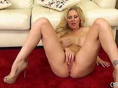 Amazing blonde chick loves to use fingers for the pleasure