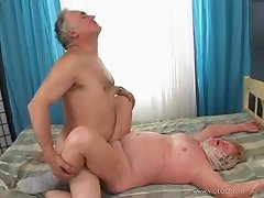 Mature amateur slut and male friend enjoys cock sucking and fucking