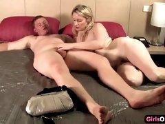 Australian blond gets impregnated