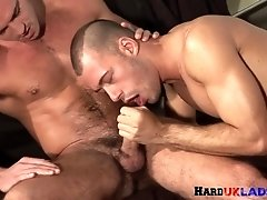 Muscular stud cums while anally pounded