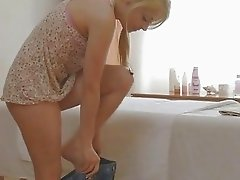 Hawt skinny sweetheart loves performing blowjobs