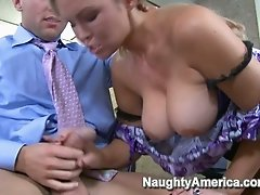 Dirty office slut is fucking her boss on a working desk