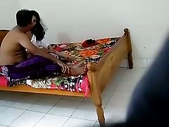 Amateur Indian couple is making out in a hotel
