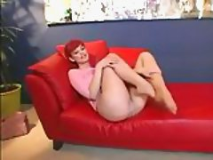 Redhead in pantyhose needs some fun